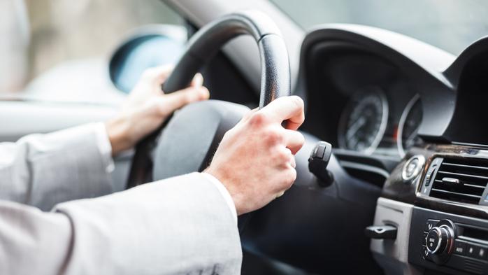 1128 - Как правильно вращать руль автомобиля